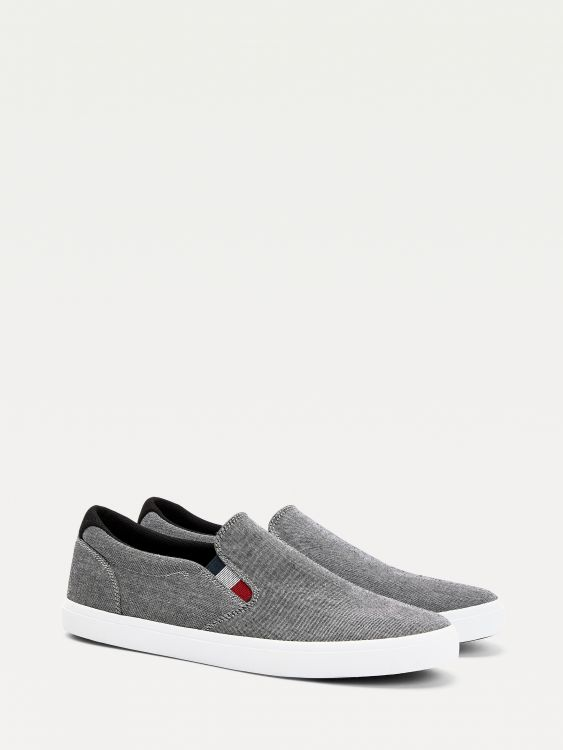 SNEAKERS ESSENTIAL SLIP ON