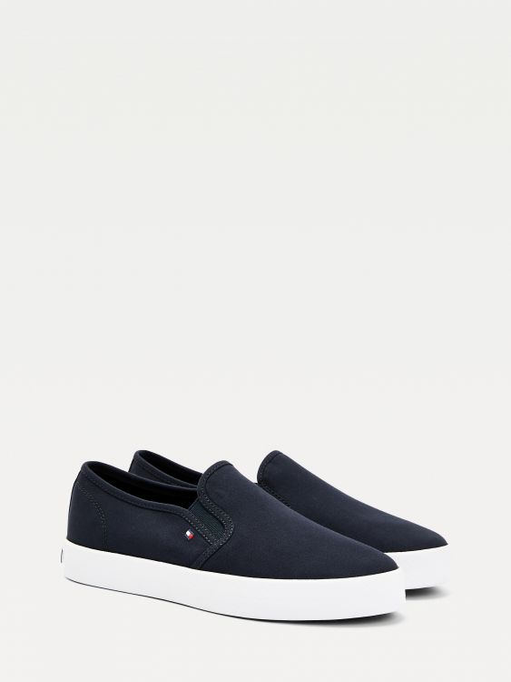 SNEAKERS ESSENTIAL SLIP-ON ΕΦΑΡΜΟΓΗ
